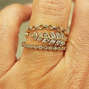 Dainty 14k Yellow Gold Leaf Ring Band sz 7